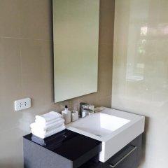 Отель The Deck Luxury Patong Beach ванная