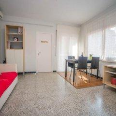 Отель Sunny and Quiet Sagrada Familia Барселона комната для гостей фото 4