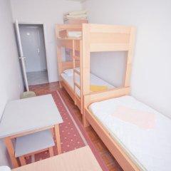 Youth Hostel Zagreb Кровать в женском общем номере с двухъярусной кроватью фото 4