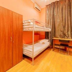 Отель Жилое помещение Bear на Смоленской Кровать в общем номере фото 9