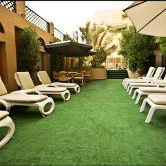 Arabian Courtyard Hotel & Spa бассейн фото 2