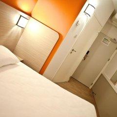 Отель Premiere Classe Wroclaw Centrum Стандартный номер с различными типами кроватей фото 3