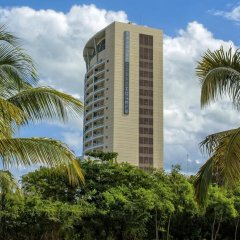 Отель Krystal Urban Cancun вид на фасад