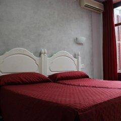 Отель Hostal Sonia Стандартный номер с различными типами кроватей фото 4