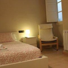 Отель B&B Hi Valencia Cánovas 3* Номер с общей ванной комнатой с различными типами кроватей (общая ванная комната) фото 6
