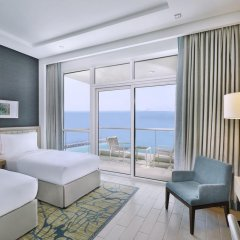 Отель DoubleTree by Hilton Dubai Jumeirah Beach 4* Люкс с различными типами кроватей фото 3