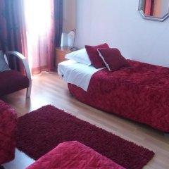 Отель Alojamento Cesarini Португалия, Монтижу - отзывы, цены и фото номеров - забронировать отель Alojamento Cesarini онлайн комната для гостей фото 3