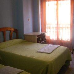 Отель Hostal Pacios Стандартный номер с 2 отдельными кроватями (общая ванная комната) фото 2