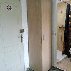 Отель Pension Centricacalp сейф в номере