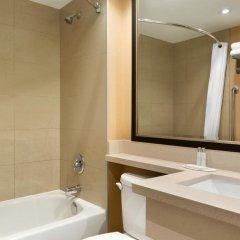 Отель Travelodge by Wyndham Toronto East 2* Стандартный номер с различными типами кроватей фото 5
