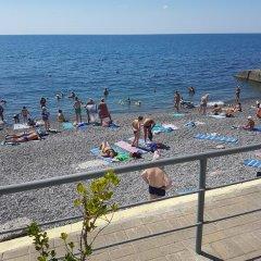 Гостиница Svetlana в Сочи отзывы, цены и фото номеров - забронировать гостиницу Svetlana онлайн пляж фото 2