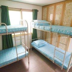Kimchee Downtown Guesthouse - Hostel Кровать в общем номере с двухъярусной кроватью фото 11