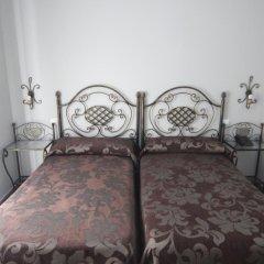 Отель Hostal Roma Стандартный номер с двуспальной кроватью фото 4