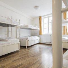 Отель Equity Point Prague Кровать в общем номере с двухъярусной кроватью фото 12
