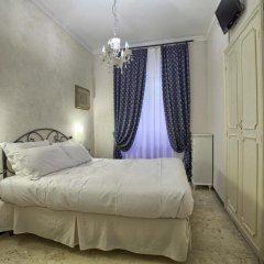 Отель Badia Fiorentina 2* Стандартный номер с двуспальной кроватью (общая ванная комната) фото 3