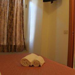 Отель Merulana Star Номер категории Эконом с различными типами кроватей фото 13
