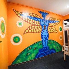 Art Hostel Contrast Кровать в общем номере с двухъярусной кроватью фото 2
