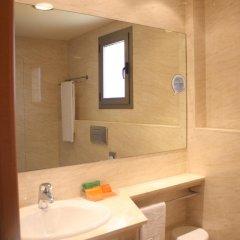 Отель NH Porta Barcelona 3* Стандартный номер с различными типами кроватей фото 2