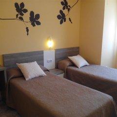 Отель Apartamentos Querol Вальдерробрес комната для гостей фото 2