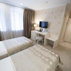 Гостиница Де Пари 4* Улучшенный номер 2 отдельные кровати фото 3