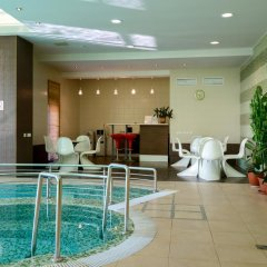Гостиница Skyport в Оби - забронировать гостиницу Skyport, цены и фото номеров Обь бассейн фото 2