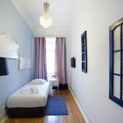 Отель Typical Lisbon Guest House Стандартный номер с различными типами кроватей фото 9
