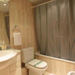 Отель Old Town Apartments Испания, Барселона - отзывы, цены и фото номеров - забронировать отель Old Town Apartments онлайн ванная