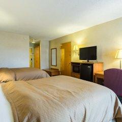 Отель Clarion Inn and Summit Center 2* Стандартный номер с различными типами кроватей фото 3