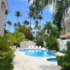 Отель Residencial Las Buganvillas Bavaro Доминикана, Пунта Кана - отзывы, цены и фото номеров - забронировать отель Residencial Las Buganvillas Bavaro онлайн бассейн фото 2
