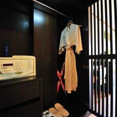 Отель Print Kamala Resort сейф в номере