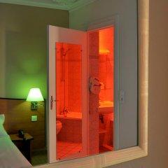 Отель Hôtel Eden Montmartre 3* Улучшенный номер с двуспальной кроватью фото 10