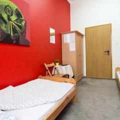 Moon Hostel Стандартный номер с различными типами кроватей (общая ванная комната)