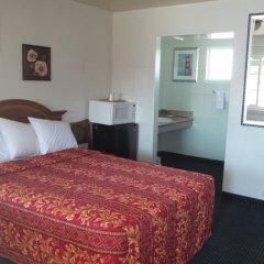 Отель Holiday Motel Oakdale Стандартный номер с различными типами кроватей фото 2