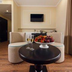 Гостиница Голубая Лагуна Люкс с двуспальной кроватью фото 16