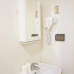 Отель Ratchadamnoen Residence 3* Стандартный номер с двуспальной кроватью фото 32