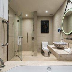 Отель Crowne Plaza Phuket Panwa Beach 5* Номер категории Премиум с двуспальной кроватью фото 11