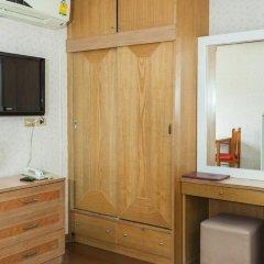 Отель The Aiyapura Bangkok 3* Улучшенный номер с различными типами кроватей фото 5