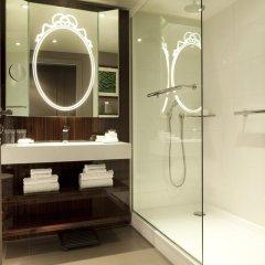 Renaissance Paris Hotel Le Parc Trocadero ванная
