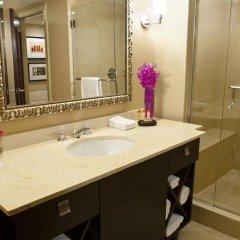 Отель Wyndham Grand Chicago Riverfront 4* Номер Делюкс с различными типами кроватей