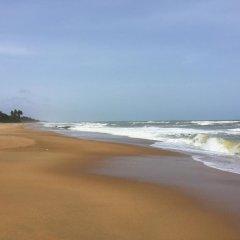 Отель Kamili Beach Villa пляж