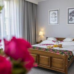 Отель Rezydencja Sienkiewiczówka 3* Стандартный номер с двуспальной кроватью