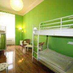Adam&eva Hostel Prague Кровать в общем номере фото 2
