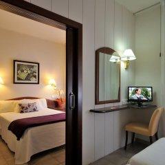 Hotel Avenida 2* Стандартный семейный номер разные типы кроватей фото 7