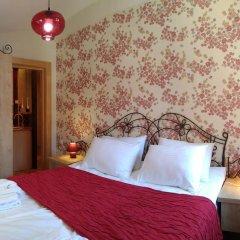 Отель Villa Legend of Tbilisi -17 Abano St Грузия, Тбилиси - отзывы, цены и фото номеров - забронировать отель Villa Legend of Tbilisi -17 Abano St онлайн комната для гостей фото 2