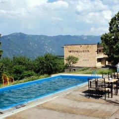 Отель Odzun бассейн