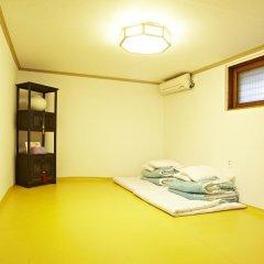Отель Mumum Hanok Guesthouse 3* Стандартный номер с различными типами кроватей фото 11
