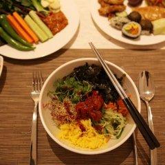 Отель Sotetsu Hotels The Splaisir Seoul Myeong-Dong питание фото 3