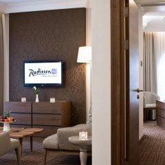 Radisson Blu Hotel, Kyiv Podil 4* Представительский люкс с различными типами кроватей фото 2