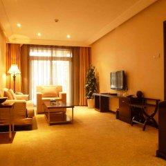 Отель Sun Town Hotspring Resort комната для гостей фото 4