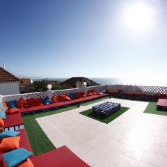 Отель Chill in Ericeira Surf House бассейн